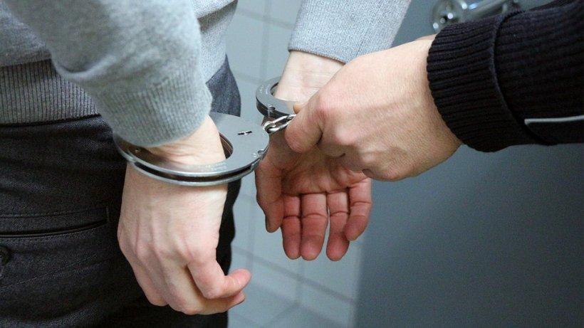 Cetățean german, reținut când primea mită pentru a interveni pe lângă un procuror