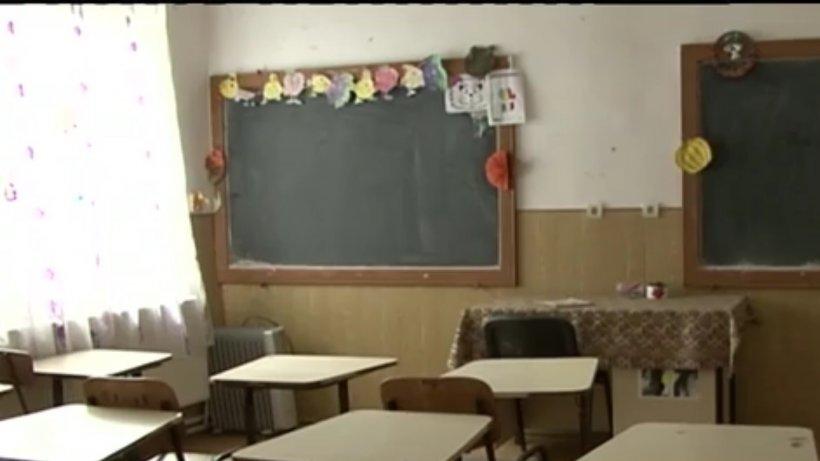 Situaţie disperată la început de an şcolar. Zeci de şcoli din ţară vor rămâne cu porţile închise