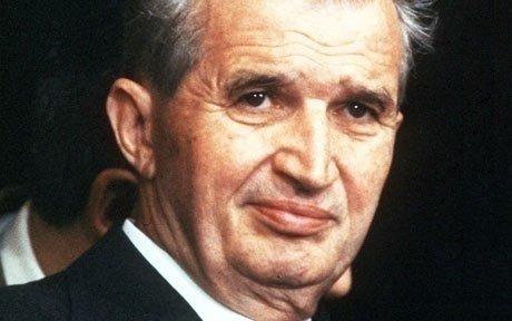 Detalii incredibile despre vizita lui Ceauşescu în Anglia. Regina Elisabeta s-ar fi ascuns într-un tufiş ca să scape de dictatorul român