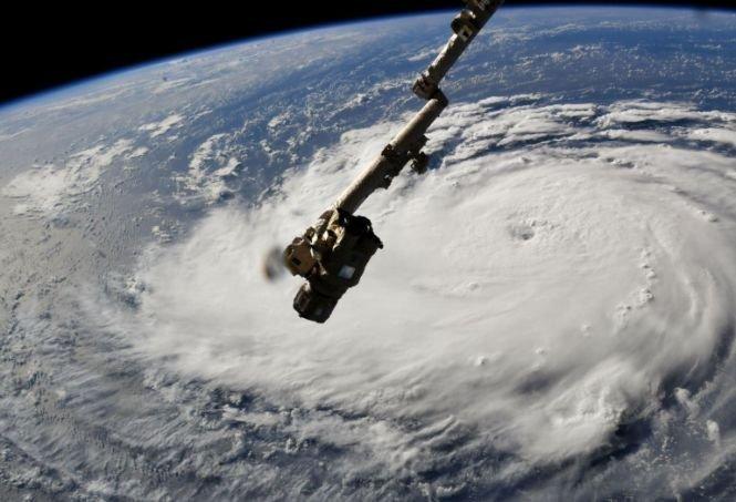 Au apărut primele imagini publicate de NASA cu uraganul Florence