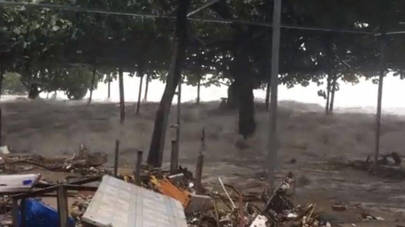 Imagini dramatice!Nordul Filipinelor, răvăşit de super-taifunul Mangkhut.Cel puţin 28 de oameni au murit - VIDEO