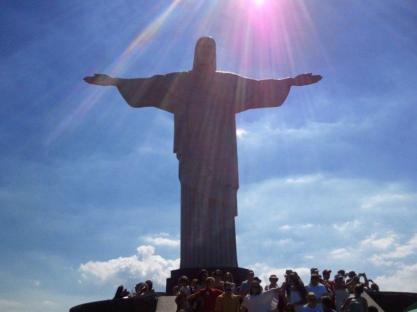 Incredibil. Care este legătura statuii lui Hristos din Rio de Janeiro cu România