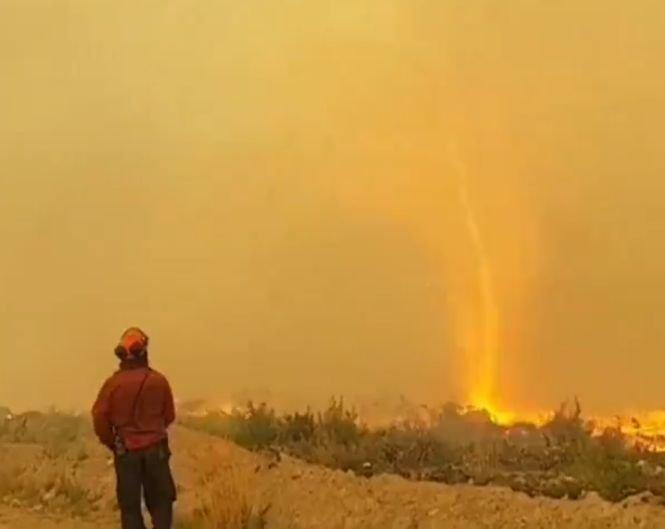 Un fenomen înspăimântător a fost înregistrat în Canada după incendiile de vegetație. Pompierii au fost șocați - VIDEO