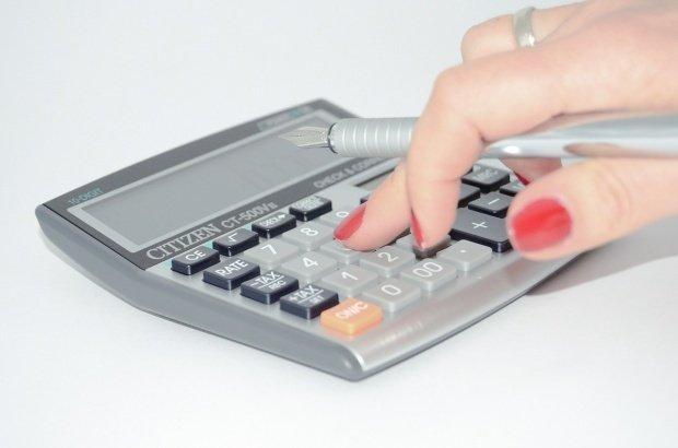 De luni, pot fi accesate de la CEC credite fără dobândă! Ce condiţii trebuie să îndeplinești