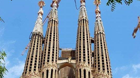 Cel mai important monument din Barcelona, Sagrada Familia, construit fără autorizație