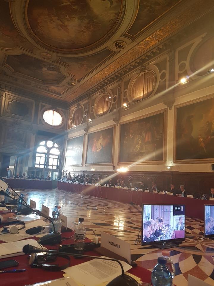 Informații despre scandalul din Justiție. Comisia de la Veneția a recomandat să se renunțe la prevederile privind pensionarea anticipată a magistraților