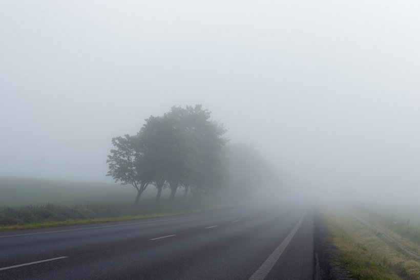 Meteorologii avertizează! Cod galben de ceață în mai multe zone din țară.Toți șoferii trebuie să aibă mare grijă