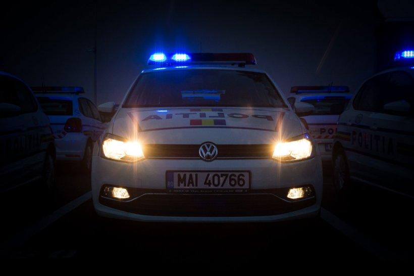 Polițiștii din București au oprit o mașină care depășise viteza legală. Și-au făcut cruce când au văzut cine era la volan