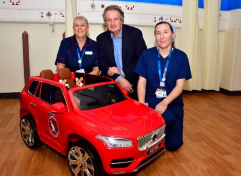 Un spital a găsit o metodă ingenioasă pentru a diminua teama copiilor în drum spre sala de operații