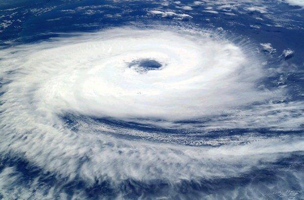 Autoritățile sunt în alertă! Un uragan extrem de periculos se îndreaptă spre Mexic