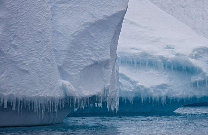 Un aisberg cu o formă ciudată a fost descoperit de NASA. Cum arată și cum s-a format