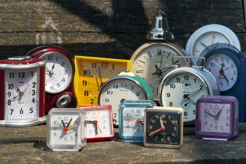 ORA DE IARNĂ 2018. Dăm ceasurile înapoi! 28 octombrie va fi cea mai lungă zi din an. Cum ne afectează