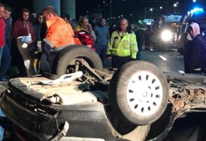 Tragedie la Arad! Doi tineri au murit după ce au sărit cu BMW-ul de pe un pod, răsturnându-se de mai multe ori