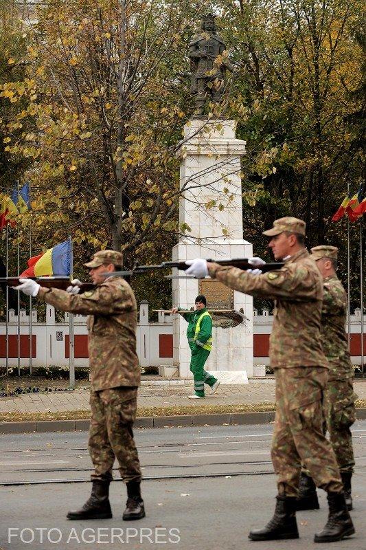 Imaginea zilei. Cum a fost surprins un bărbat de Ziua Armatei Române
