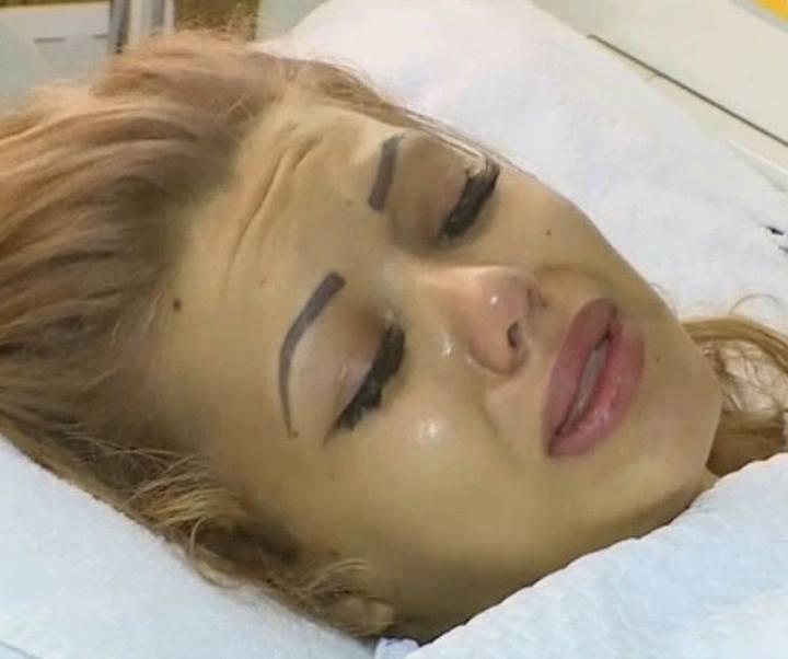 Ultima oră de la spital! Ce se întâmplă cu Beyonce de România, după ce i-au necrozat sânii şi i-au fost scoase silicoanele