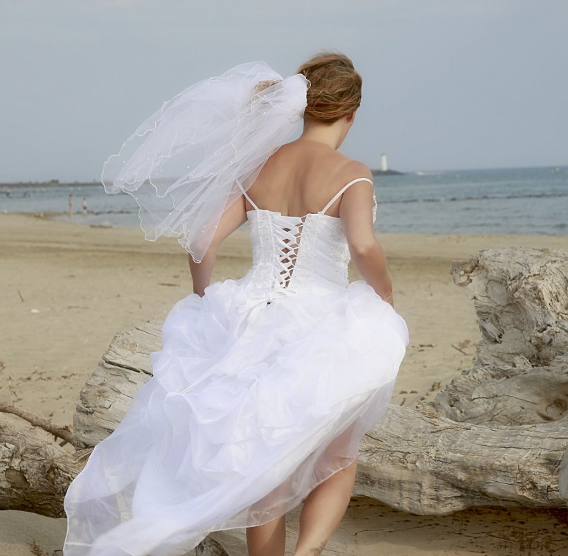 Cea mai scurtă căsnicie! Un mire s-a uitat în noaptea nunții în telefonul soției. A citit primul mesaj, iar apoi a cerut divorțul! SMS-ul nu era de la un bărbat!