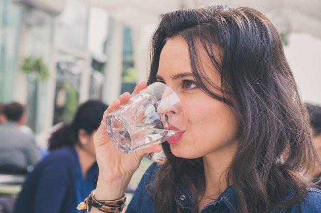 Ți-e mai sete ca de obicei? Mergi urgent la medic! Ai putea avea o boală gravă