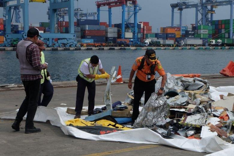 Un obiect găsit după prăbușirea avionului Lion Air în Indonezia a făcut înconjurul internetului! Oamenii s-au mobilizat ca să afle povestea din spatele lui