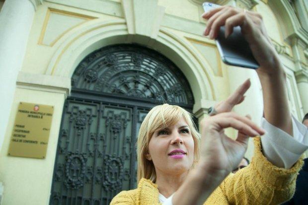 Ce notă a luat Elena Udrea la Bacalaureat și ce job a avut înainte să intre în politică