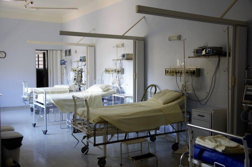 Situație șocantă în Bârlad. O femeie a murit după ce s-a aruncat în gol de la balconul unui spital