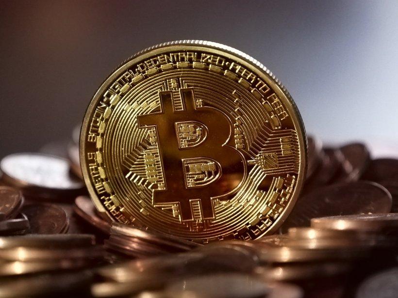 Bitcoin se prăbușește. A scăzut la cel mai redus nivel din ultimul an