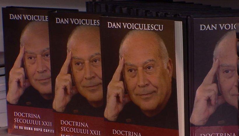 """Dan Voiculescu, premiu pentru """"Cartea Eveniment"""""""