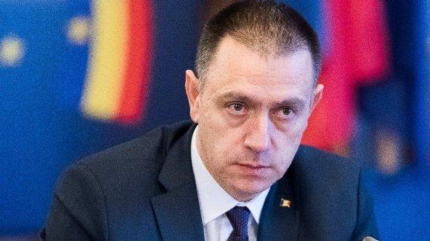 Ministrul Apărării Mihai Fifor demisionează din Guvern