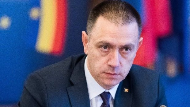 The Minister of Defense, Mihai Fifor, has resigned 114
