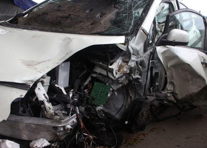 Un autocar răsturnat din cauza vremii pe DN2 Buzău - Râmnicu Sărat: Nouă persoane au ajuns la spital
