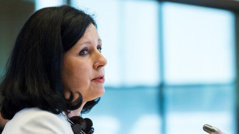"""Comisarul european pentru Justiție, după întâlnirea cu Tudorel Toader: """"Aştept ca România să urmeze recomandările MCV"""""""