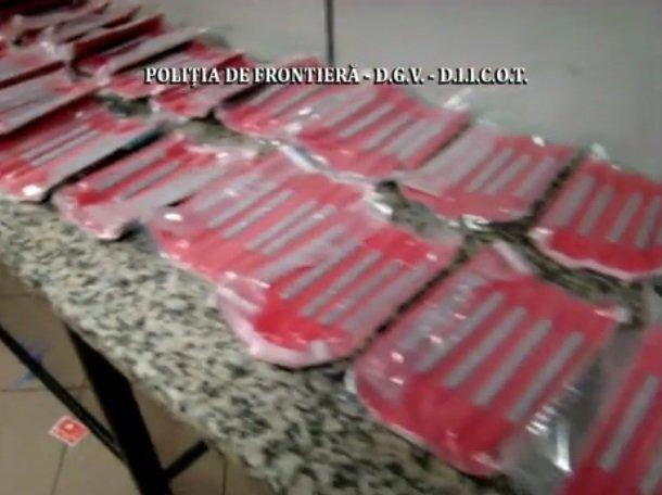 Cantitate uriașă de cocaină în bagajele unei turiste din Australia pe aeroportul Otopeni VIDEO