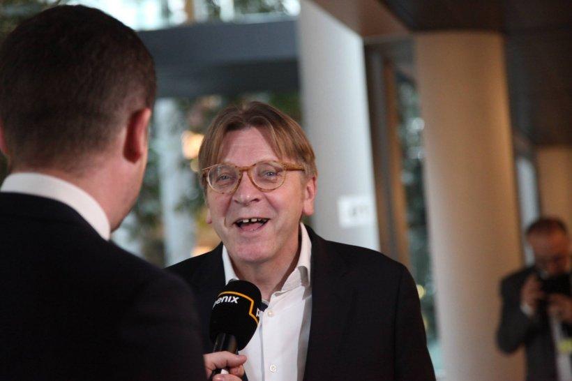 Guy Verhofstadt, mesaj după întâlnirea cu Tăriceanu: Am stabilit împreună că singurul mod de a garanta statul de drept este implementarea totală și necondiționată a tuturor recomandărilor Comisiei de la Veneția