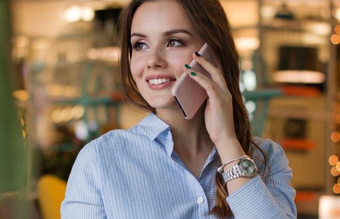 Românii vor putea vorbi gratis în roaming pe 1 Decembrie. Care va fi țara unde putem suna gratuit în această zi