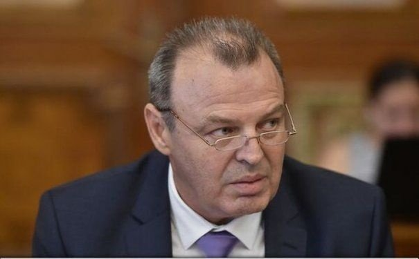 """Ministrul Transporturilor, Lucian Şova, a demisionat: """"Sunt un om de onoare"""""""