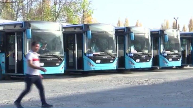 Autobuzele cumpărate de Primăria Capitalei intră în reparaţii. Şoferii mai corpolenţi se plâng că nu încap pe scaun