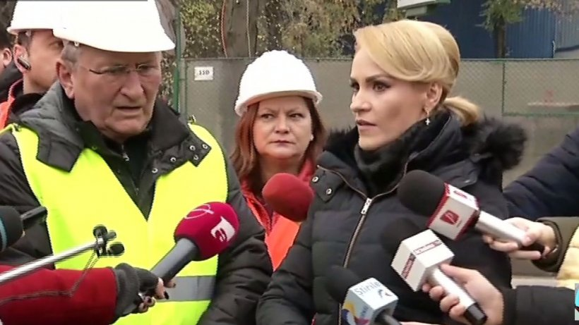 """Gabriela Firea, pe şantierul autostrăzii A3: ''Vrem să arătăm că aici se lucrează"""" - VIDEO"""