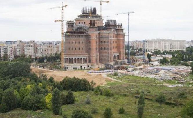 CATEDRALA MÂNTUIRII NEAMULUI. Amendă pentru constructorul Catedralei Mântuirii Neamului