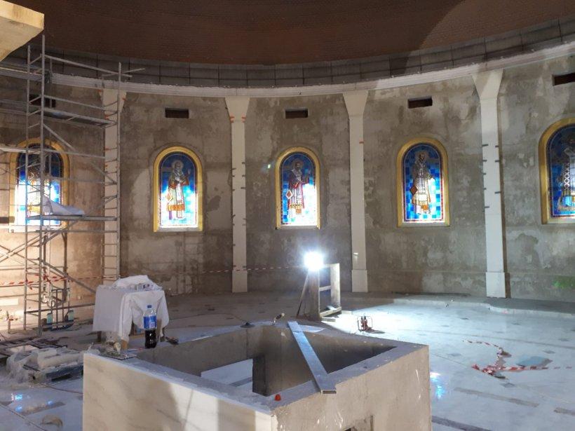 Cum arată acum Catedrala Mântuirii Neamului. Imagini din interior cu o zi înainte de sfințire. FOTO