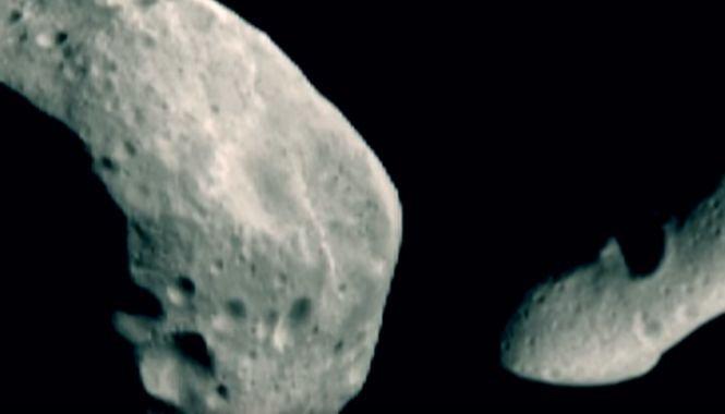 Omenirea este amenințată de doi asteroizi. Unul are mărimea unui teren de fotbal