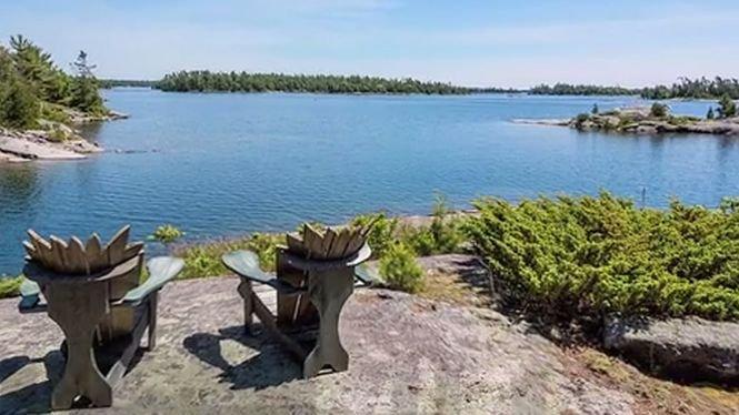 Se vinde cea mai romantică insulă. Cât costă