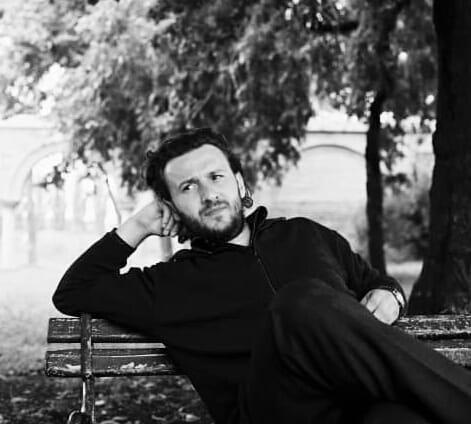 Momente cumplite în familia criticului de artă Oliv Mircea. Fiul acestuia a murit