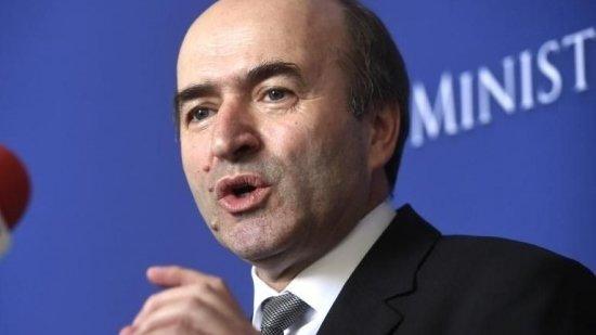 Tudorel Toader vrea să-l reclame pe Iohannis la Curtea Constituțională
