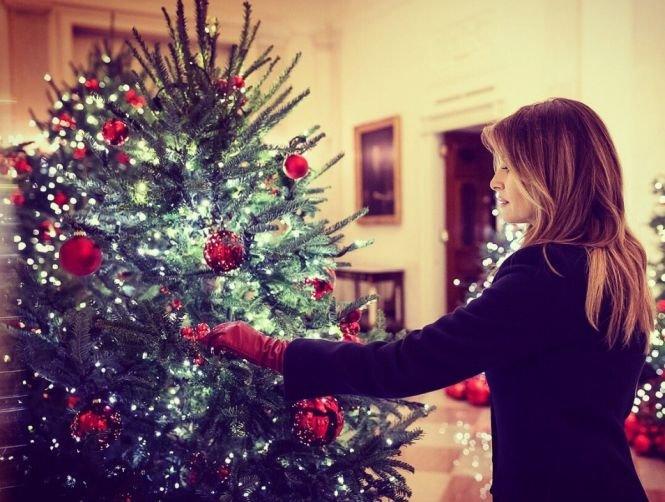 Casa Albă este gata să întâmpine sărbătorile de iarnă. Prima Doamnă a Statelor Unite a prezentat decoraţiunile de anul acesta - VIDEO