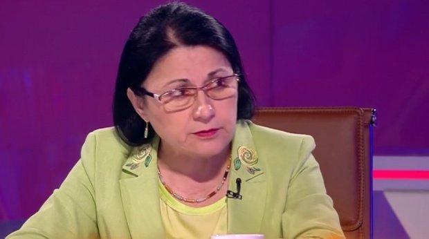 Ecaterina Andronescu neagă varianta lui Iohannis referitor la numirea ei în funcţia de ministru al Educației