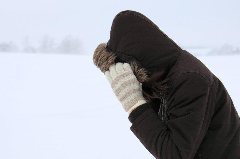 Vine iarna grea peste România. Ninsori și ger în jumătate de țară