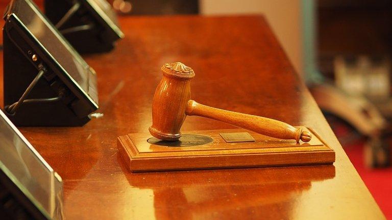Un român din Marea Britanie le-a spus judecătorilor că mai are doar un an de trăit ca să scape de închisoare. E incredibil ce a urmat