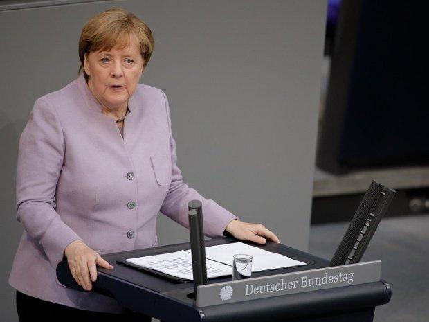 Avionul Angelei Merkel, aterizare de urgență