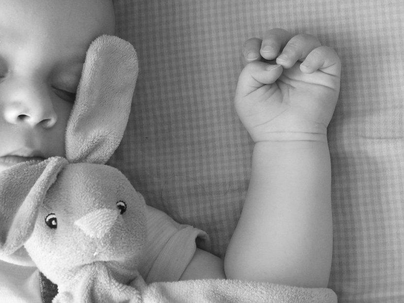Caz șocant în Suceava. O fetiță de doi ani cu anemie severă a murit în spital