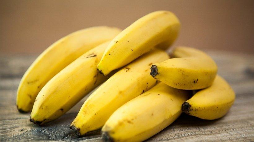De ce mulți români au început să pună bananele la congelator