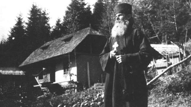 """""""Nostradamusul României"""", Pustnicul Zosima din munţii Rarău:  """"O să fie mare măcel în oraşe. Greu de scăpat de ce o să fie..."""""""